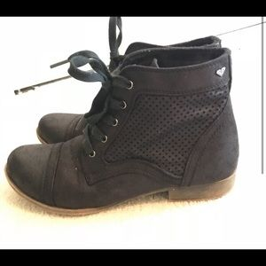 Roxy Black Ankle Boots